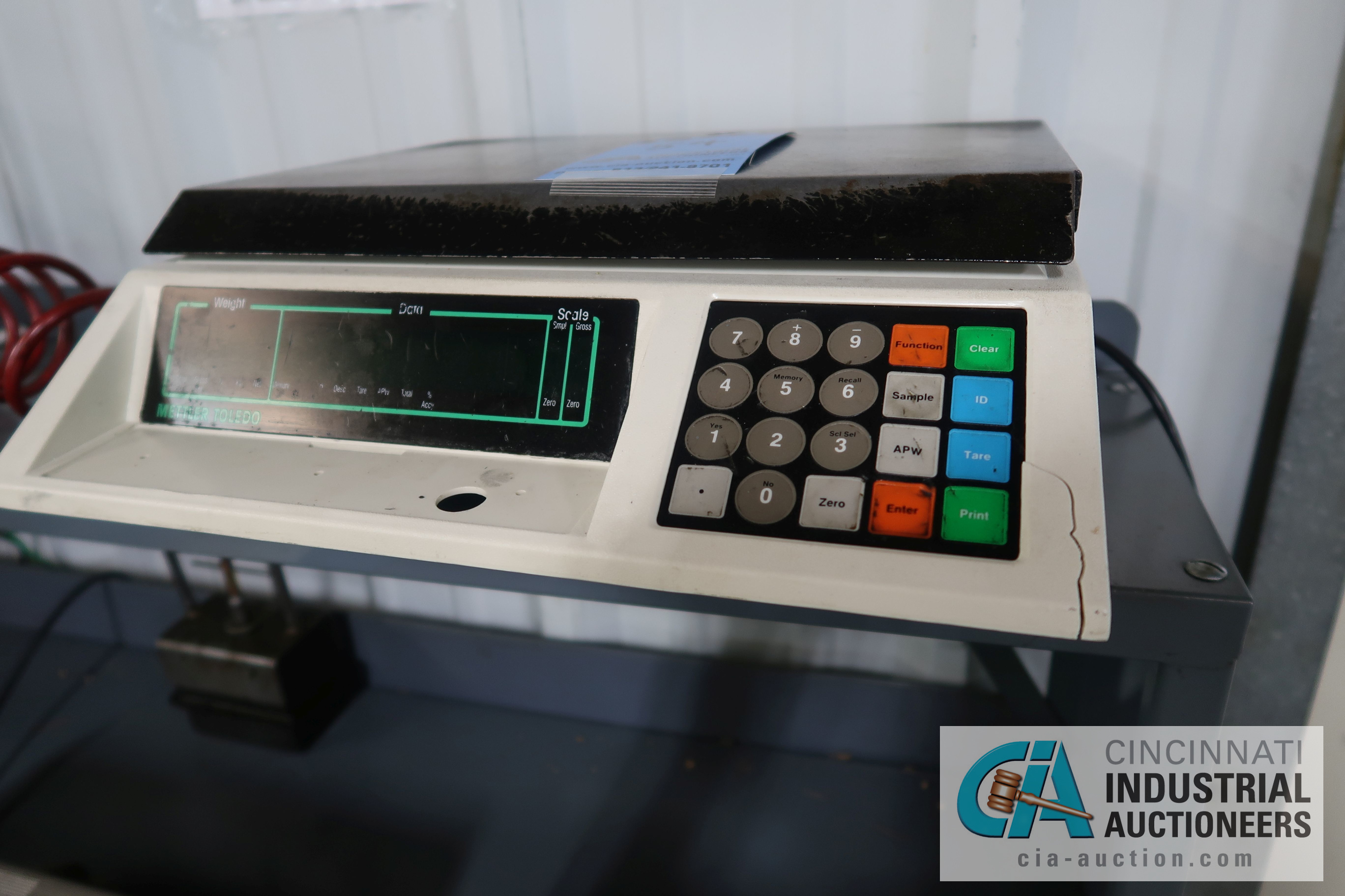 100 LB. CAPACITY METTLER-TOLEDO MODEL 8582 COUNTING SCALES WITH (1) 65 LB. CAPACITY ULINE MODEL H-