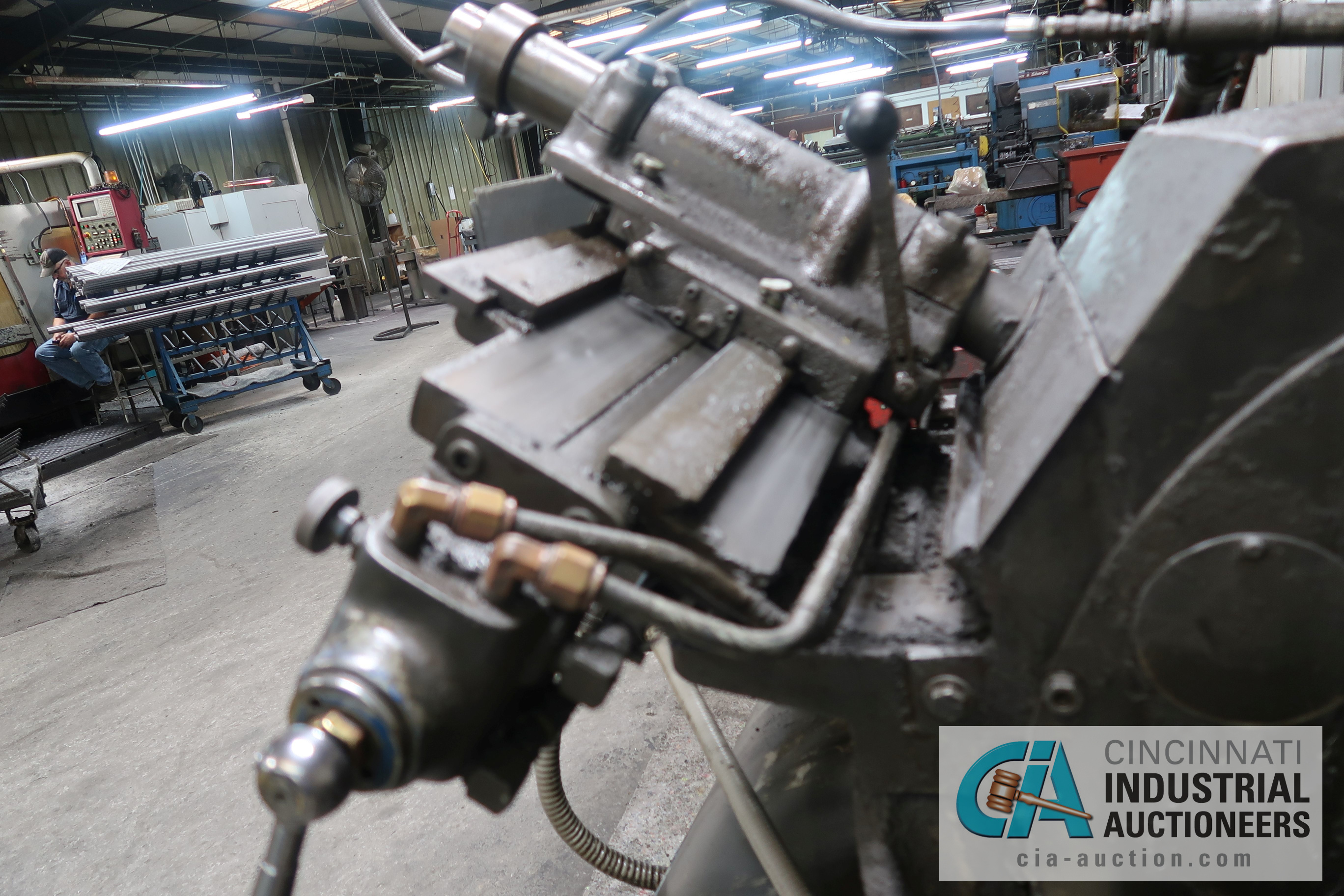 CINCINNATI MODEL 2 CENTERLESS GRINDER; S/N 2M2H1L-2160 WITH INFEED AND OUTFEED CONVEYORS - Image 6 of 6