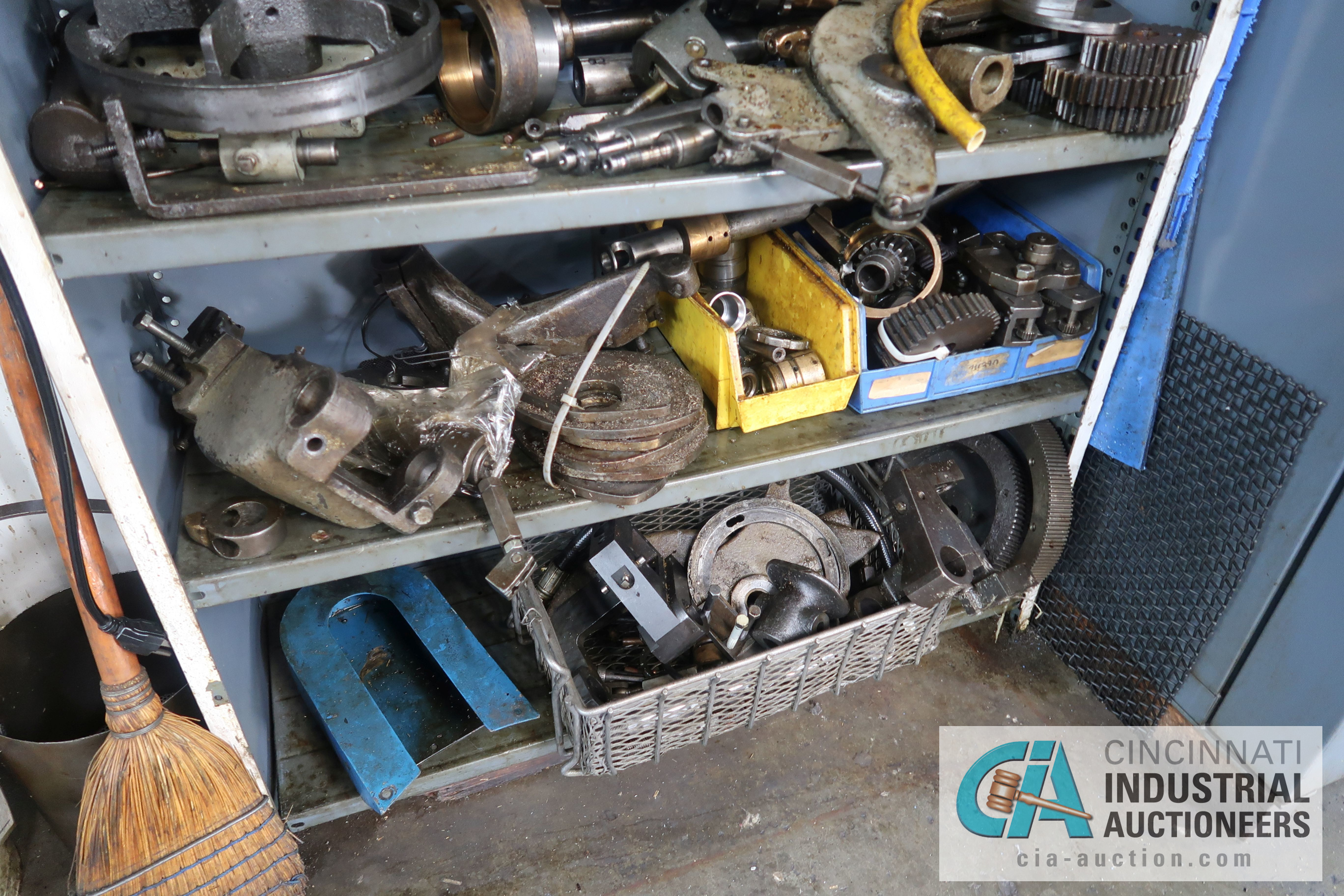 (LOT) LARGE ASSORTMENT MISCELLANEOUS DAVENPORT TOOLING, ATTACHMENTS, GEARS, CAMS AND OTHER RELATED - Image 15 of 21