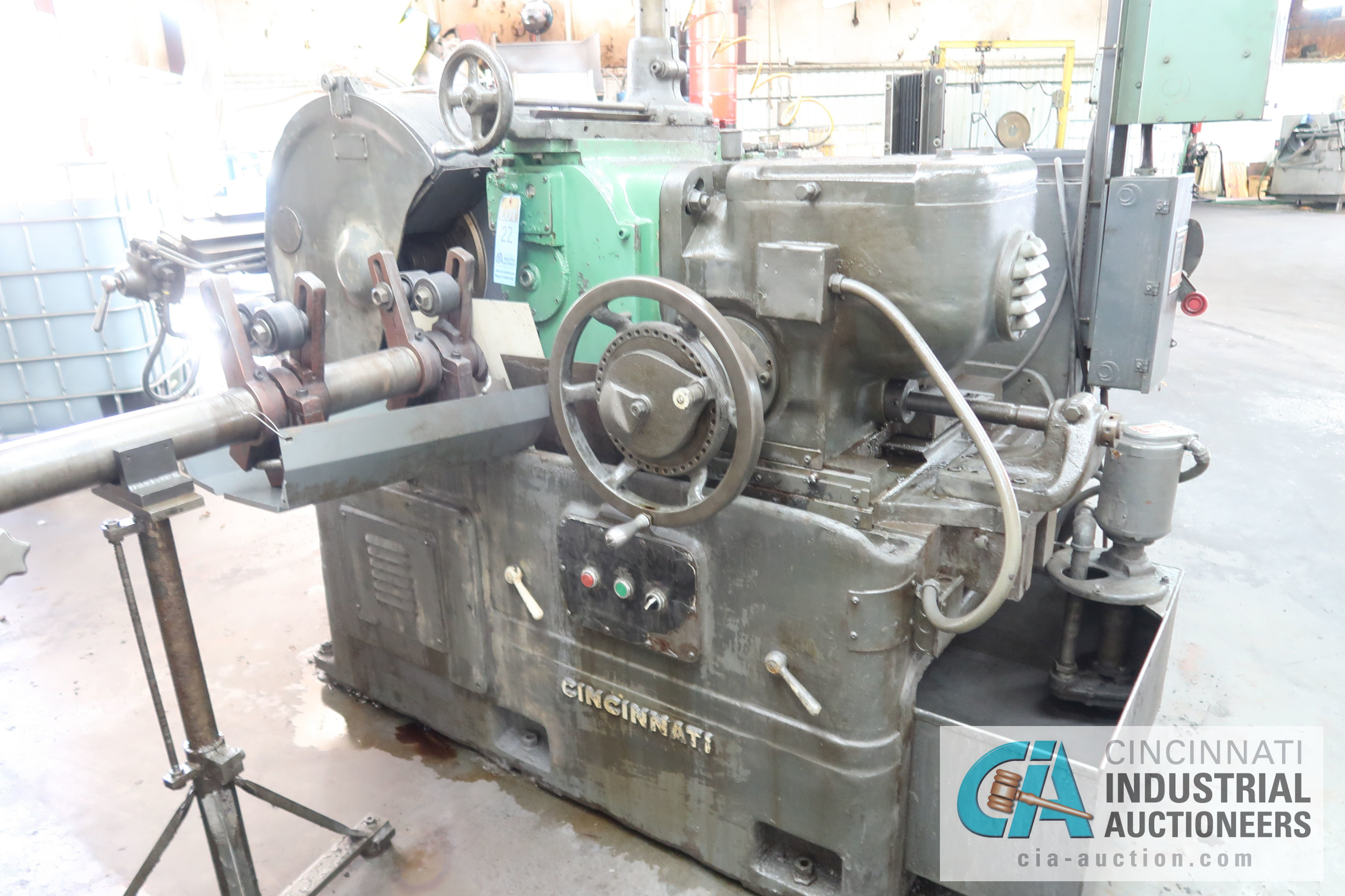 CINCINNATI MODEL 3 CENTERLESS GRINDER; S/N 3M3H5A-37 WITH INFEED AND OUTFEED CONVEYORS