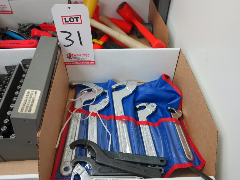 Lot 31 - SET OF PIN SPANNER WRENCHES