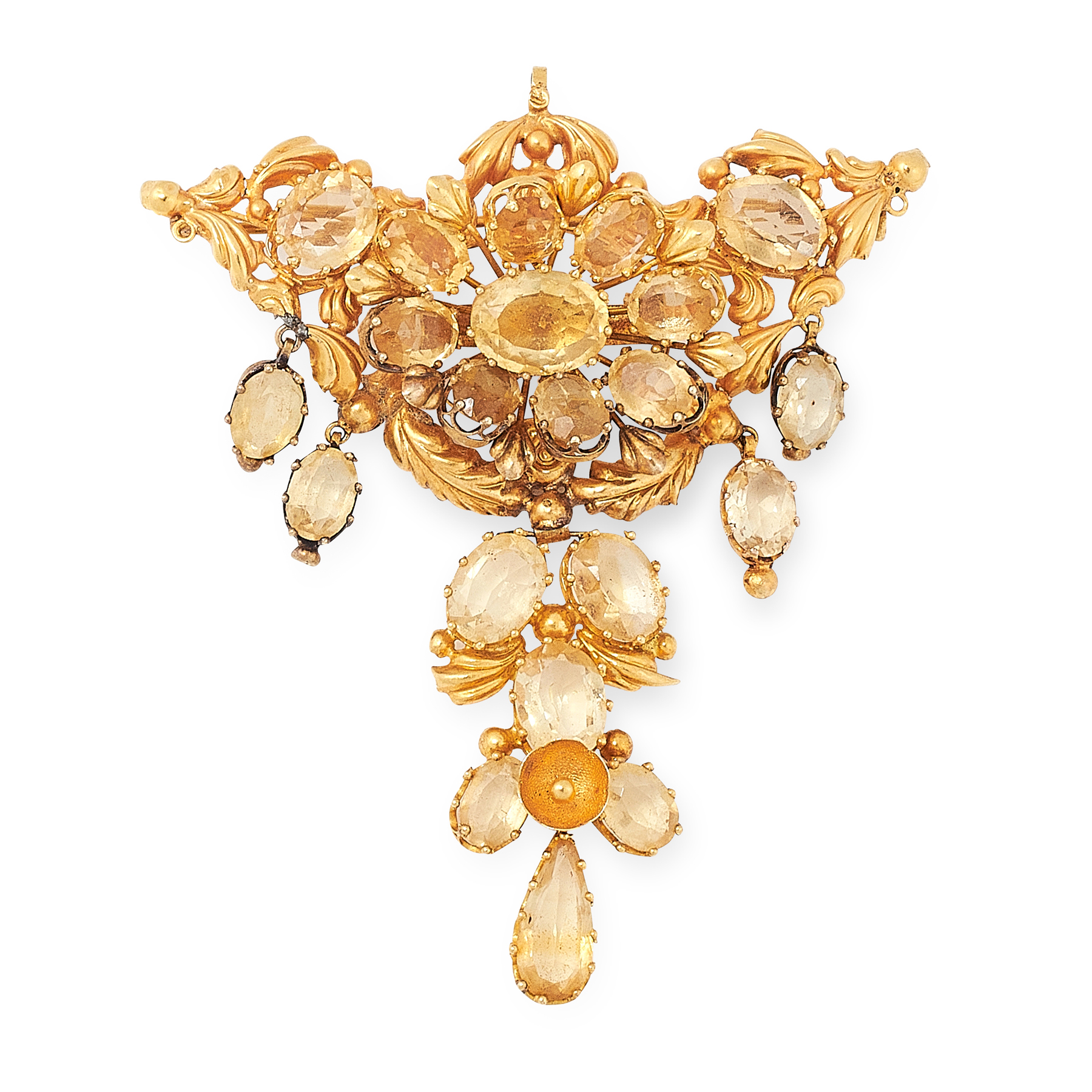 AN ANTIQUE CITRINE BROOCH in high carat yellow gold, designed as a cluster of oval cut citrines