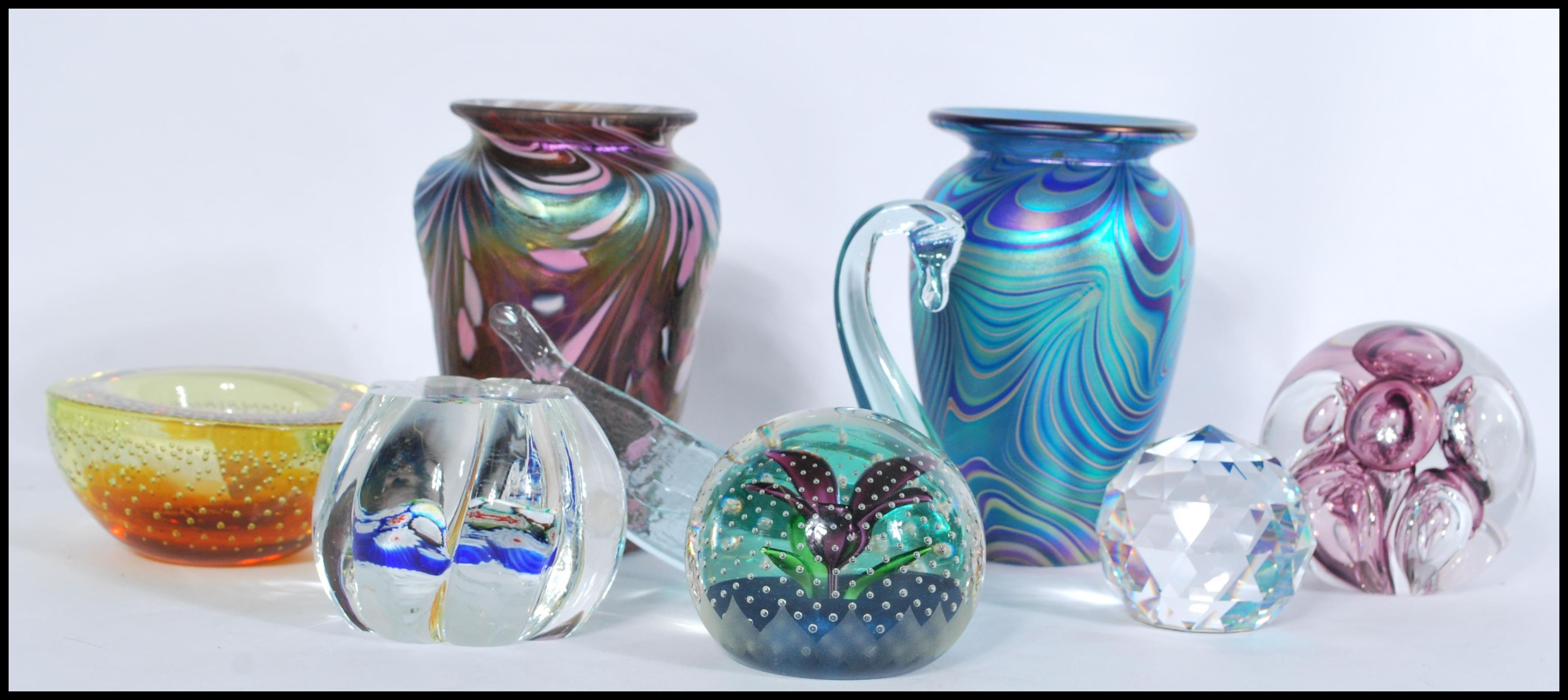 Lot 41 - A collection of studio glass items to include a Studio glass vase by Okra, marbling effect to a blue