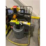 Hyster pallet jack with batter and charger; 4804 HOURS
