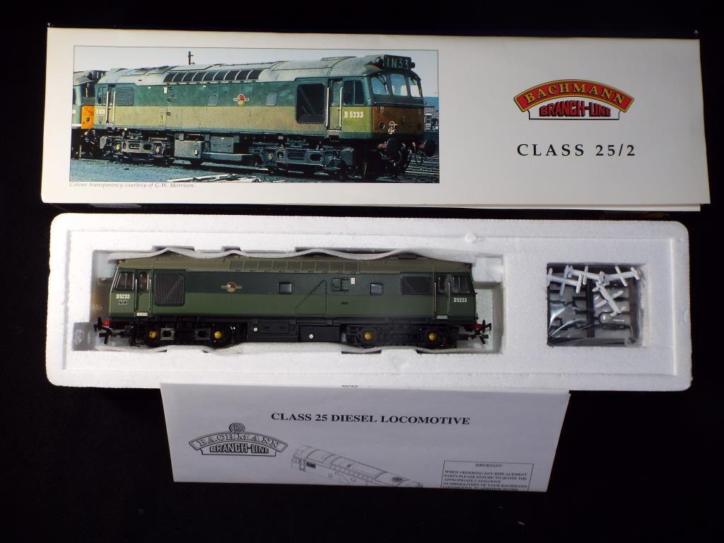 Lot 47 - Bachmann - A boxed OO Gauge No.32-410 Class 25/2 Diesel Locomotive. Op.No.