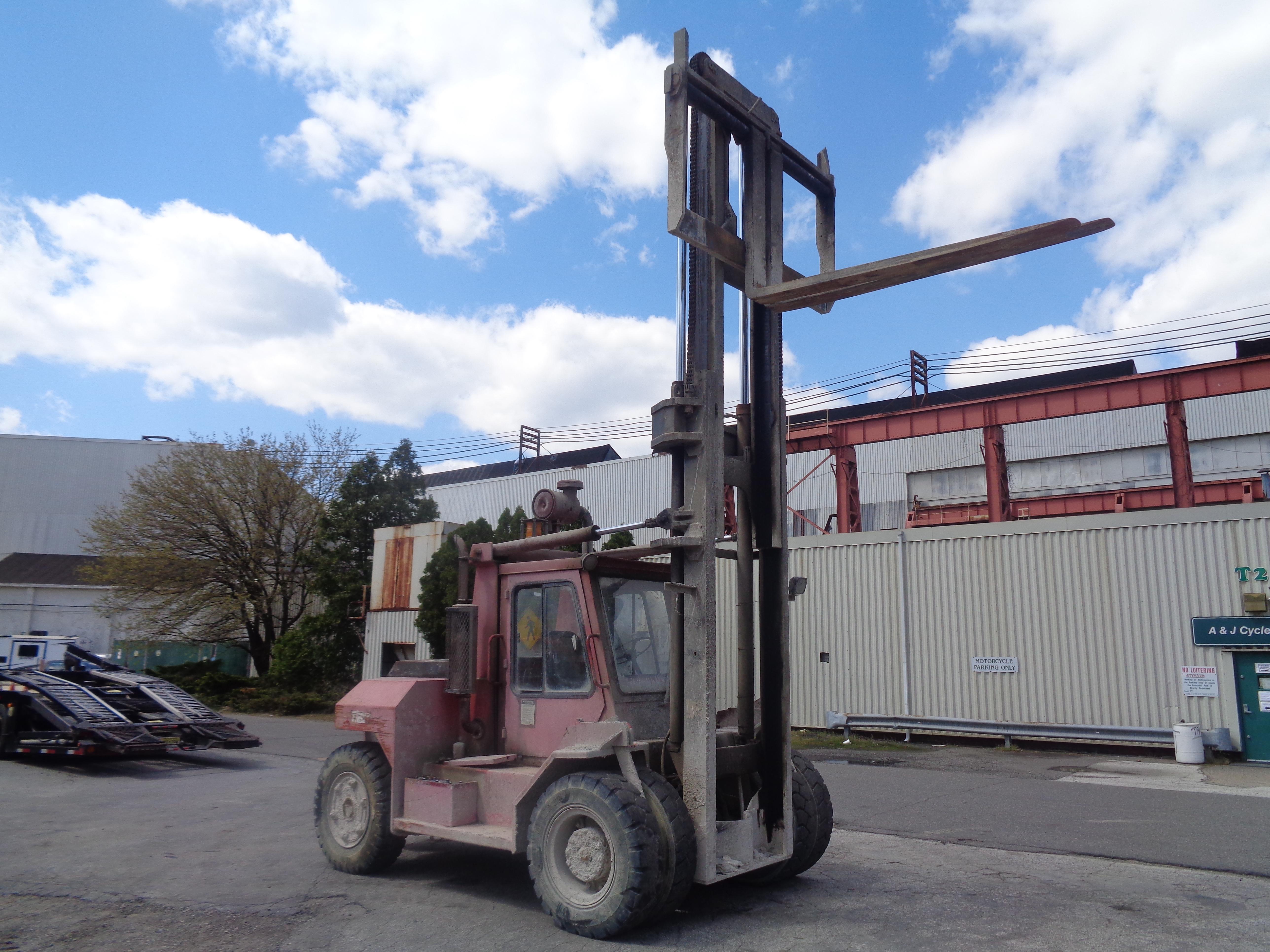 Lot 55 - Taylor TE200S 20,000 lb Forklift