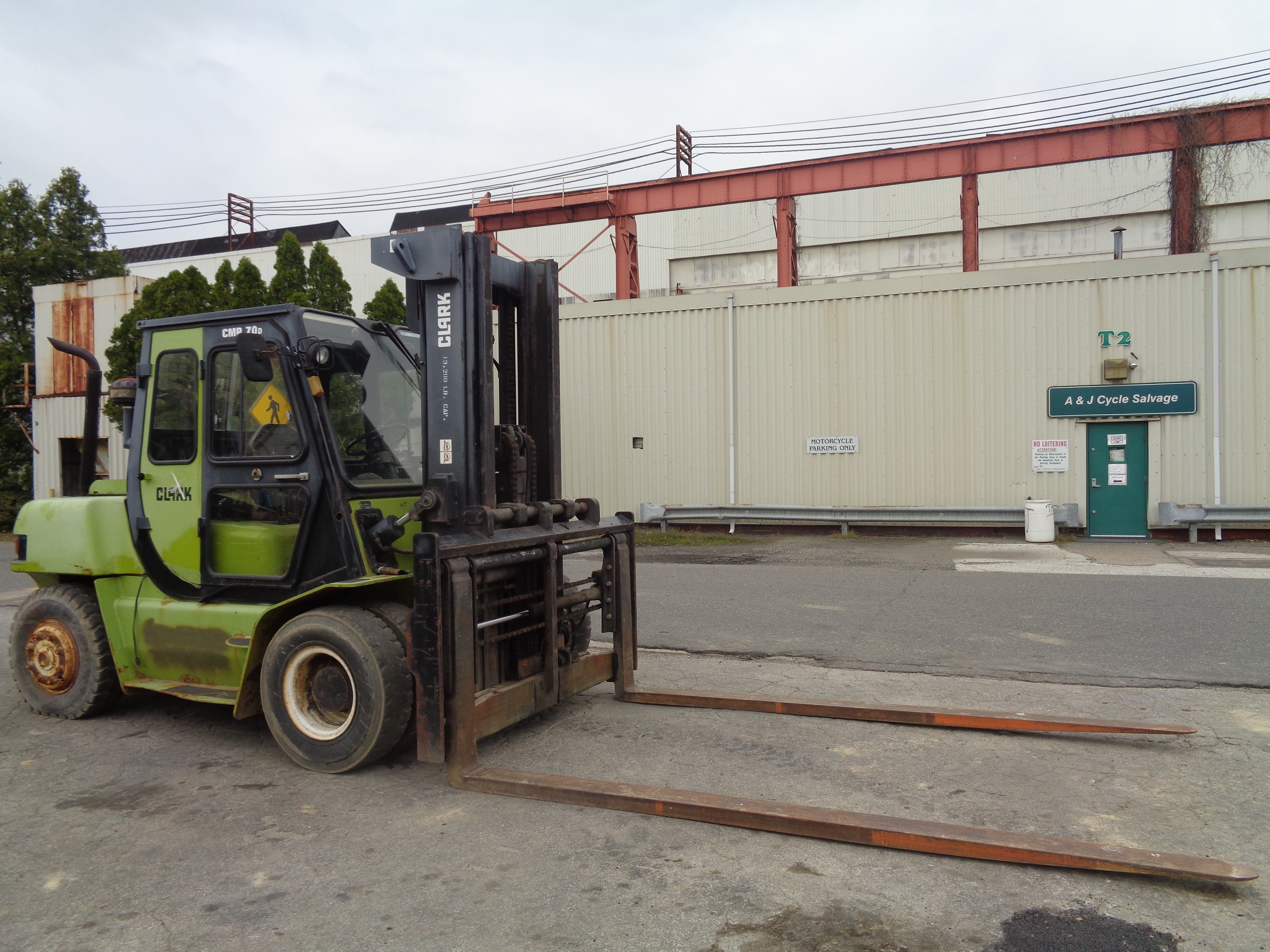 Lot 54 - Clark CMP700 Pneumatic Tire Forklift