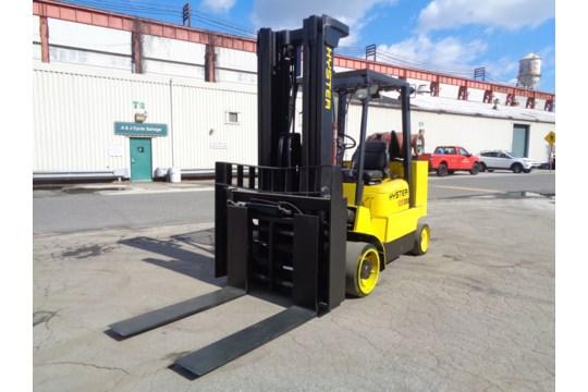 Lot 35 - Hyster S120XMS 12,000 lb Forklift