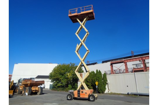 Lot 33 - JLG 4394RT 43FT Rough Terrain 4x4 Scissor Lift