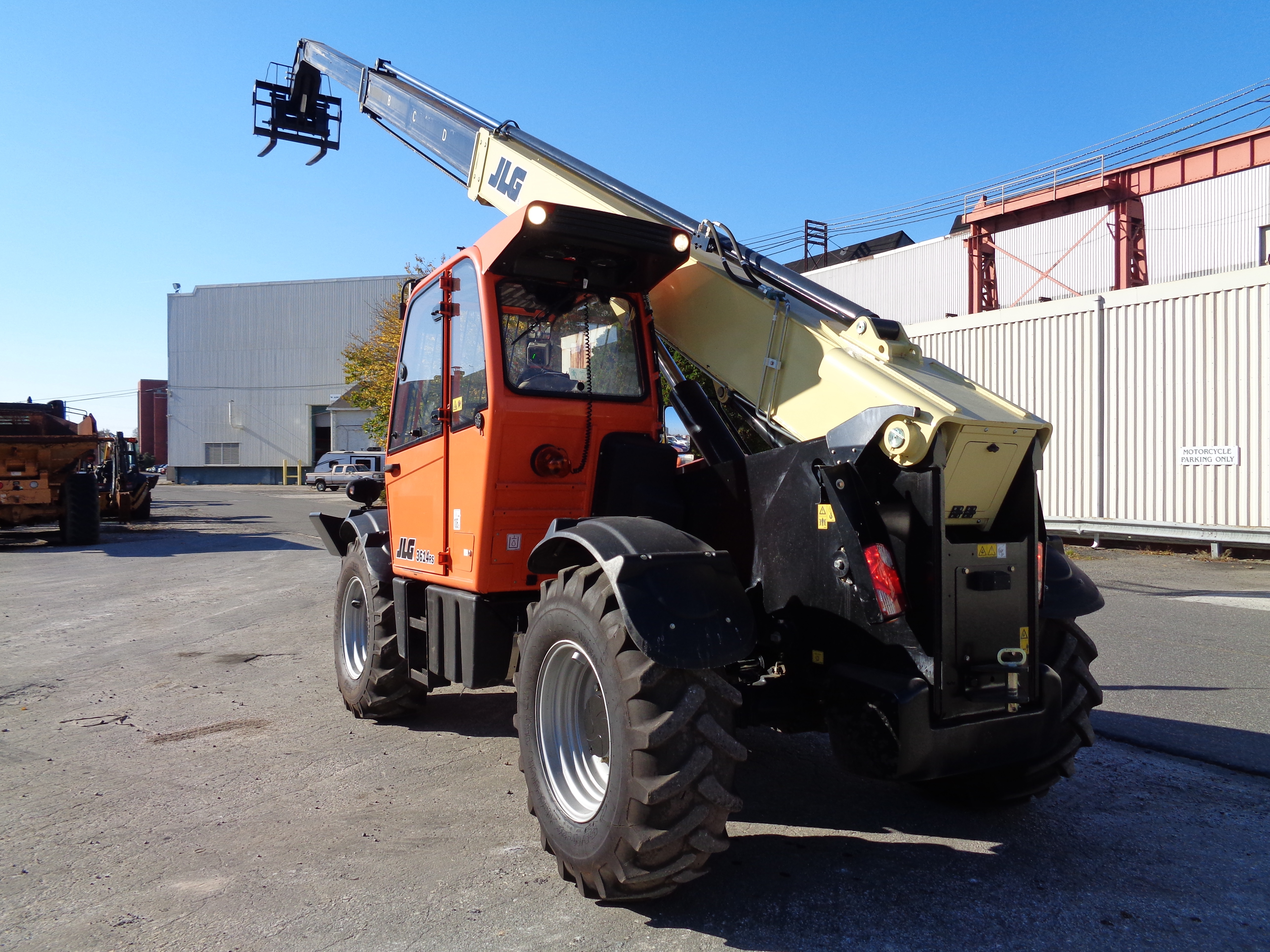 Lot 6 - 2016 JLG 3614RS 8,000 lb Telescopic Forklift
