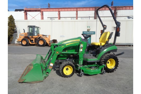 Lot 29 - 2018 John Deere 1025R Tractor - Only 306 hours