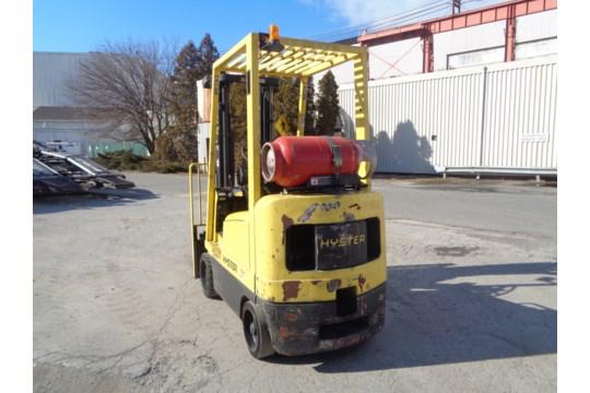 Lot 41 - Hyster S35XM 3,500 lb Forklift