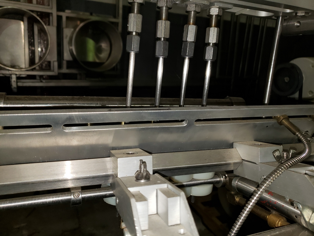 Kalish inline bottle cleaner, model B-CL, cleans by dry air blast and vacuum assist, set up for 4 - Image 4 of 10