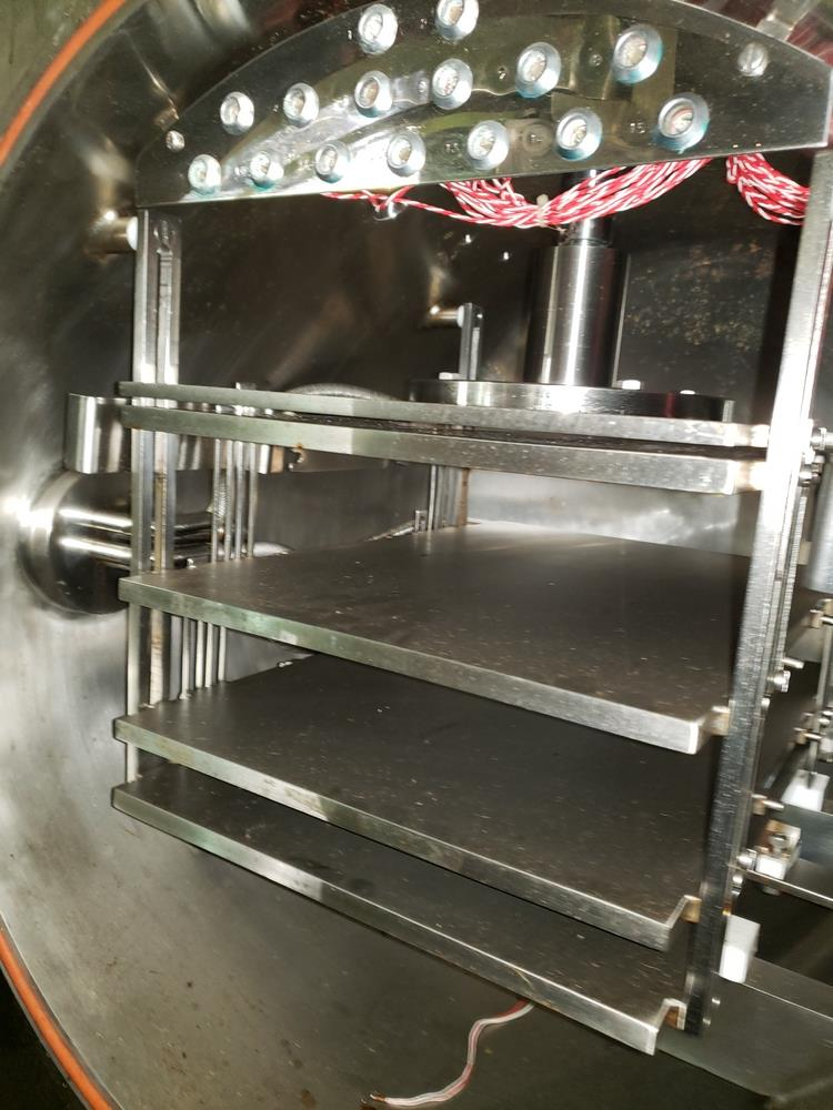 Edwards freeze dryer, model Lyoflex 04, stainless steel product contact surfaces, 4.5 sq ft shelf - Image 3 of 9