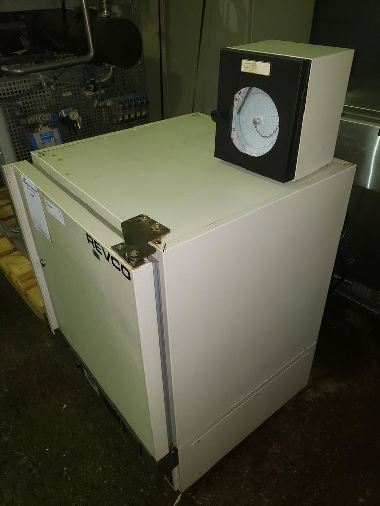 Revco refrigerator, model UFP430A18, R134a refrigerant, 115 volt, serial# U18N-100240-UN. - Image 4 of 9