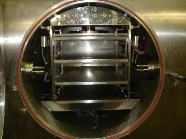 Edwards freeze dryer, model Lyoflex 04, stainless steel product contact surfaces, 4.5 sq ft shelf - Image 5 of 9