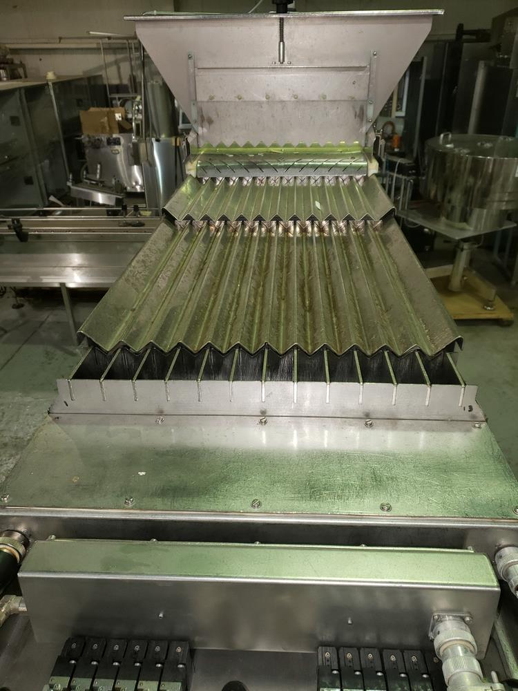 Cremer tablet counter, model CF-1230, stainless steel Contacts **See Auctioneers Note** - Image 5 of 17