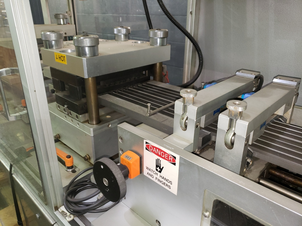 Hoong-A Corp thermoforming blister filler, model Ministar-N5, rated 30-60 strokes/minute, 200 mm - Image 12 of 25