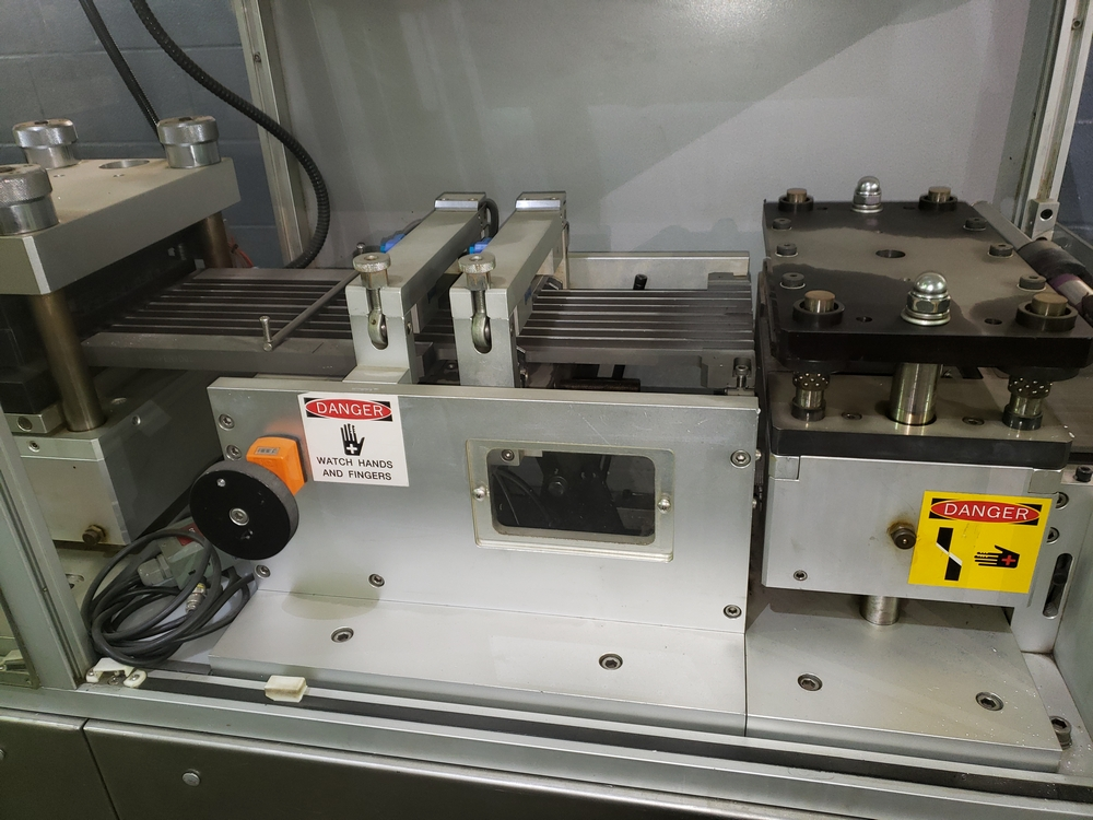 Hoong-A Corp thermoforming blister filler, model Ministar-N5, rated 30-60 strokes/minute, 200 mm - Image 10 of 25