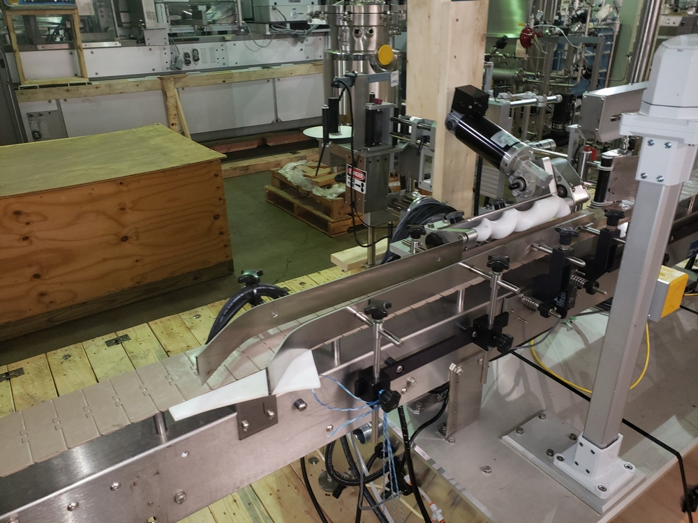Quadrel wrap around labeler, model Versaline, single head with Open Date coder, timing feed screw, - Image 4 of 17