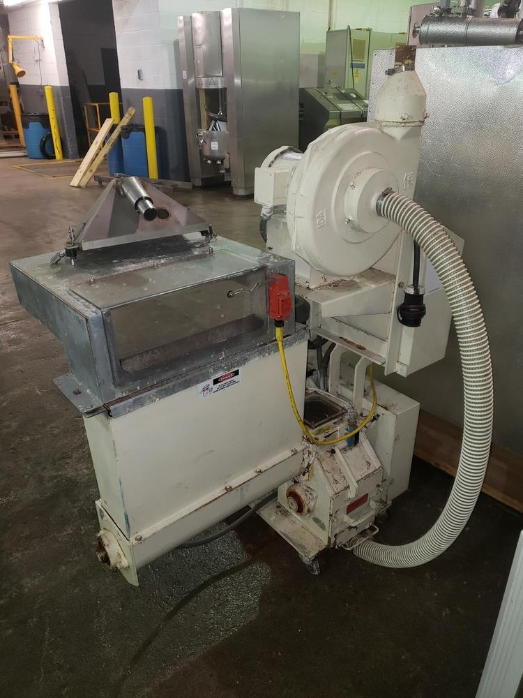 "Nelmor granulator, model F211, 8"" wide feed opening, screw feed, 2 knife rotor, 5 hp, 230/460 volt - Image 8 of 11"