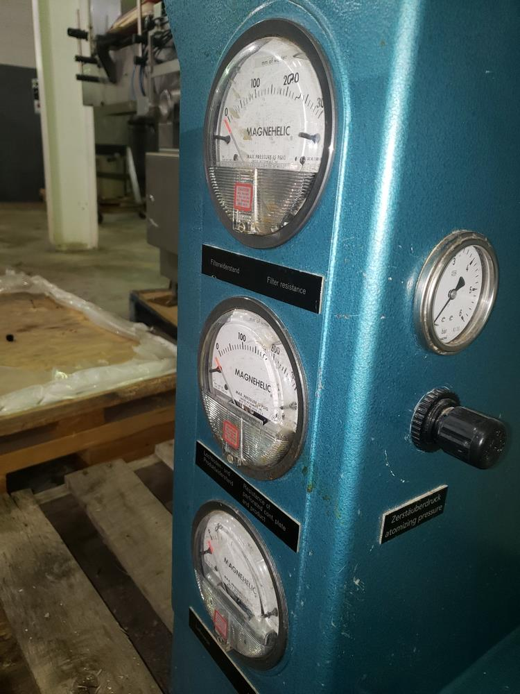 Aeromatic fluid bed dryer, model STREA1, with (2) plastic shells, top spray gun, 1 kw heater, 110 - Image 7 of 10