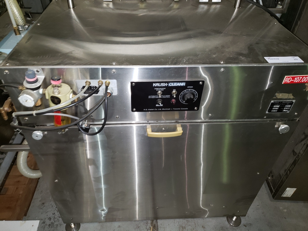 Kalish inline bottle cleaner, model B-CL, cleans by dry air blast and vacuum assist, set up for 4 - Image 2 of 10