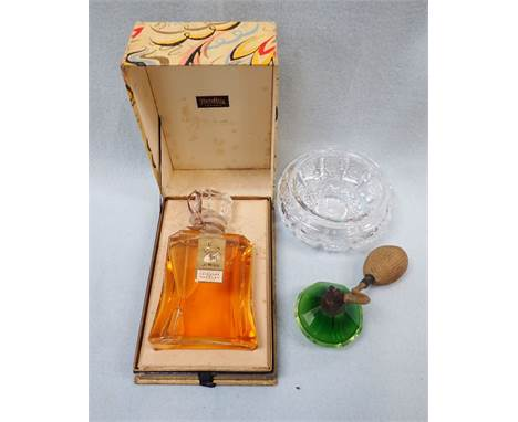A VINTAGE BOTTLE OF YARDLEY 'OLD ENGLISH LAVENDER' PERFUME (boxed) a green glass atomiser and a cut glass powder dish (3)