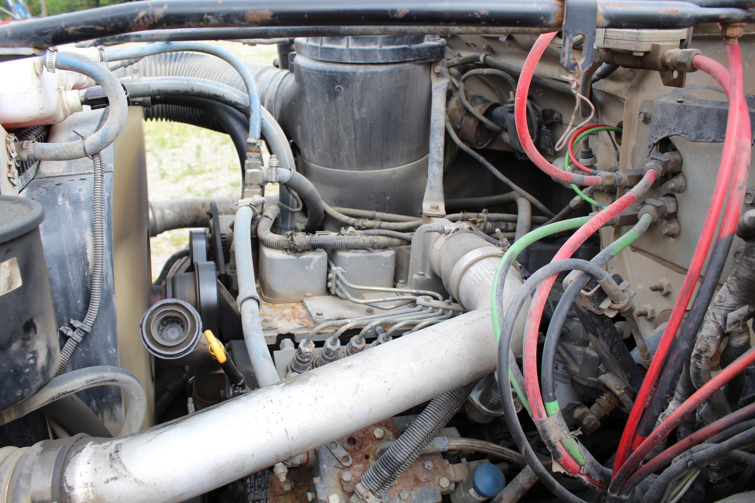 Lot 2 - 2016 MRL 4000 PT Paint Striper, s/n 04404 mounted on 1995 Ford F800 VIN 1FDWF80C1SVA44334