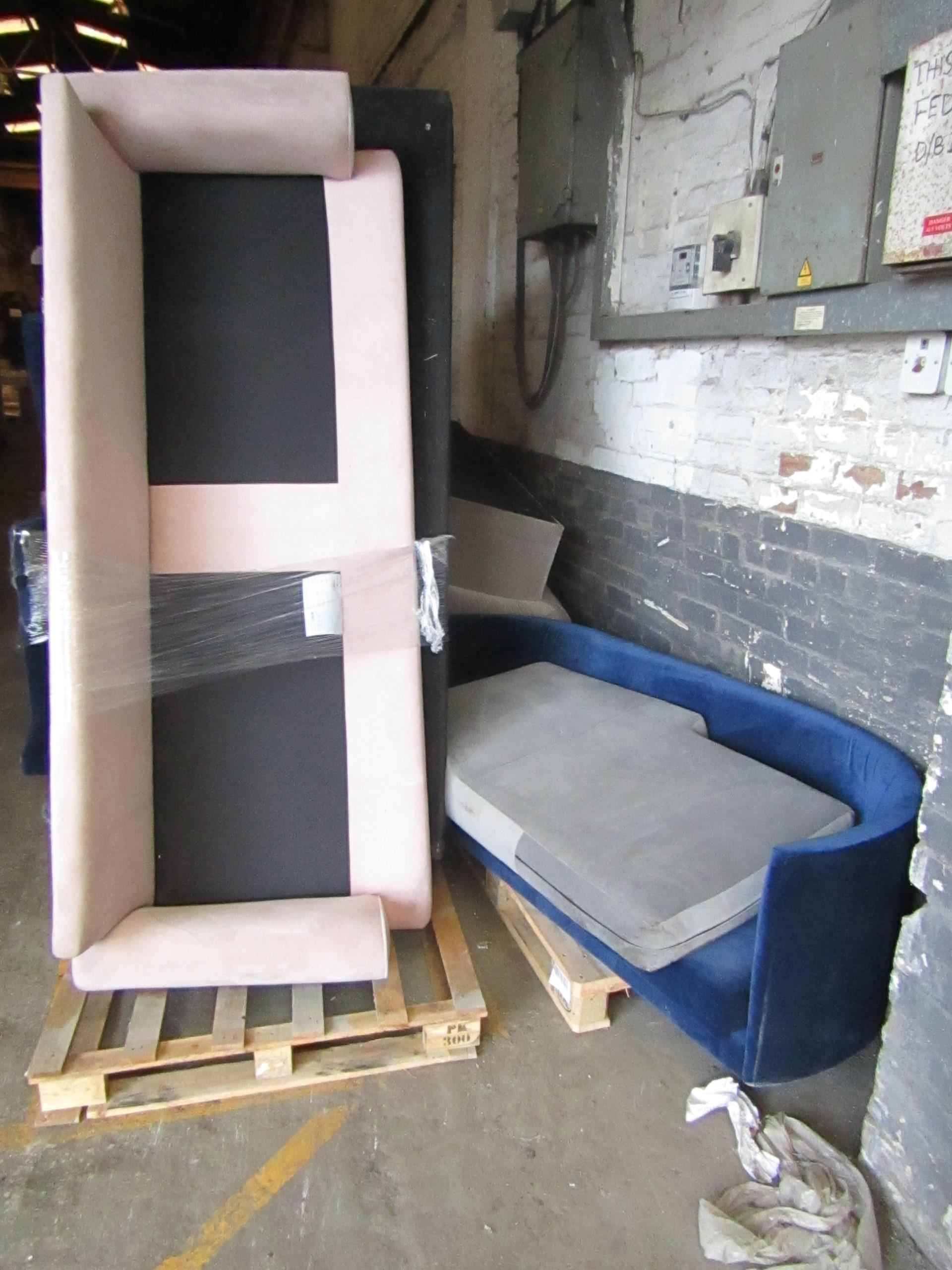 | 13X | PALLETS OF SWOON BER SOFAS, THESE ARE CUSTOMER RETURNS SO COULD HAVE MINOR DAMAGE, MAJOR - Image 2 of 11