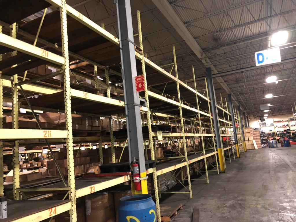 """Lot 24 - 5 BAY OF 16""""H X 96""""W X 42""""D SPEEDRACK WITH 3 LEVEL OF BEAM COLOR YELLOW"""