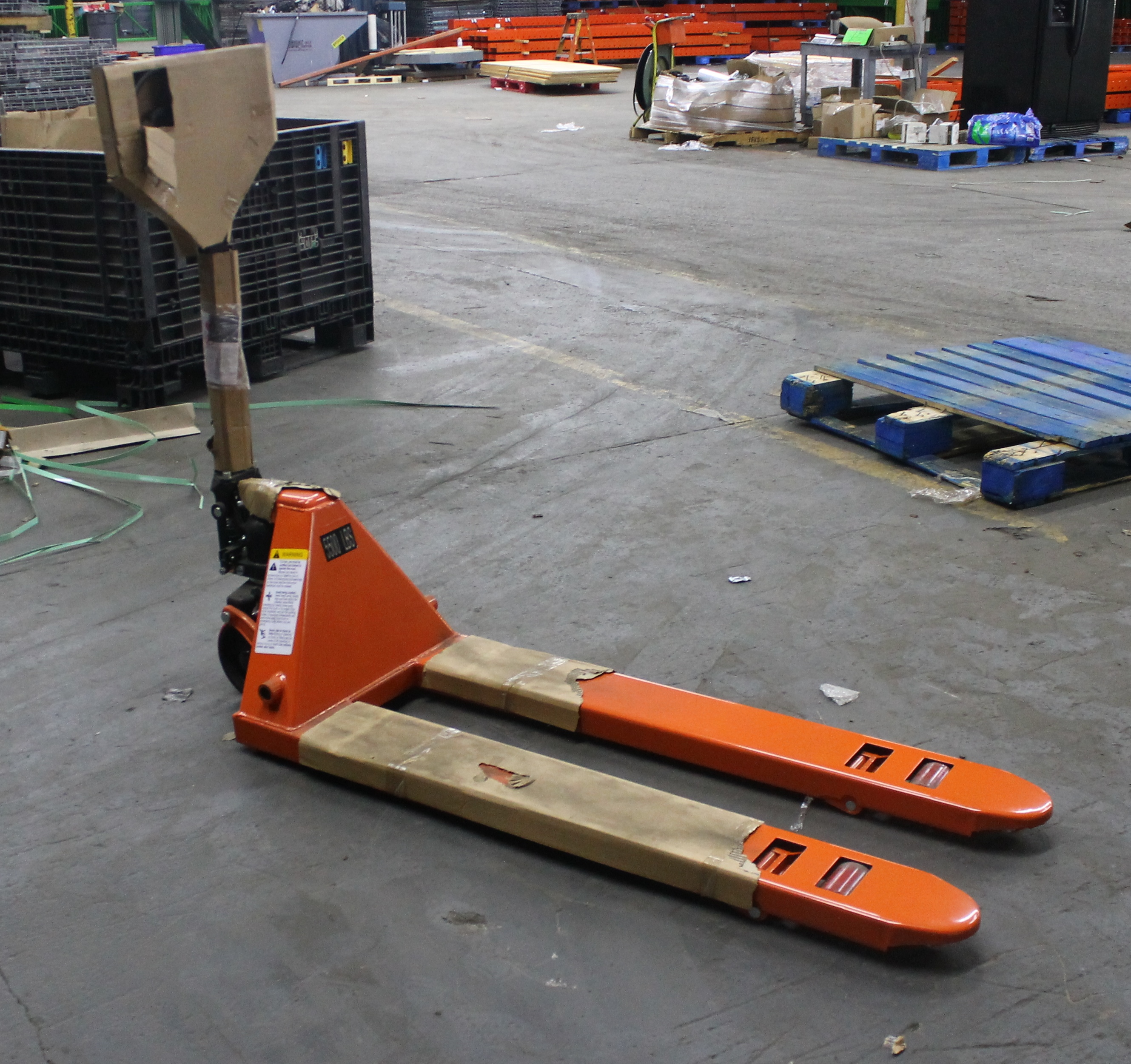 "Lot 21 - 20""W X 48""L BRAND NEW NARROW PALLET JACK"