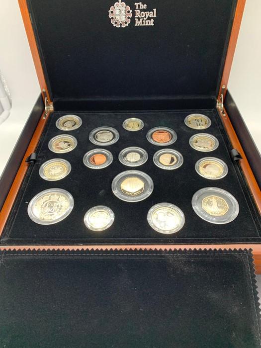 Lot 19 - The 2016 Royal Mint United Kingdom Premium Proof Coin set