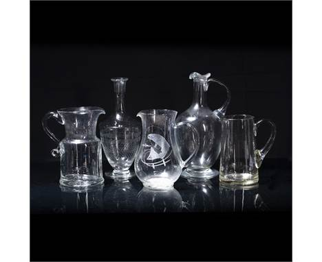 Etched glass jug 20cm, etched glass carafe, two other glass jugs and a decanter (5)