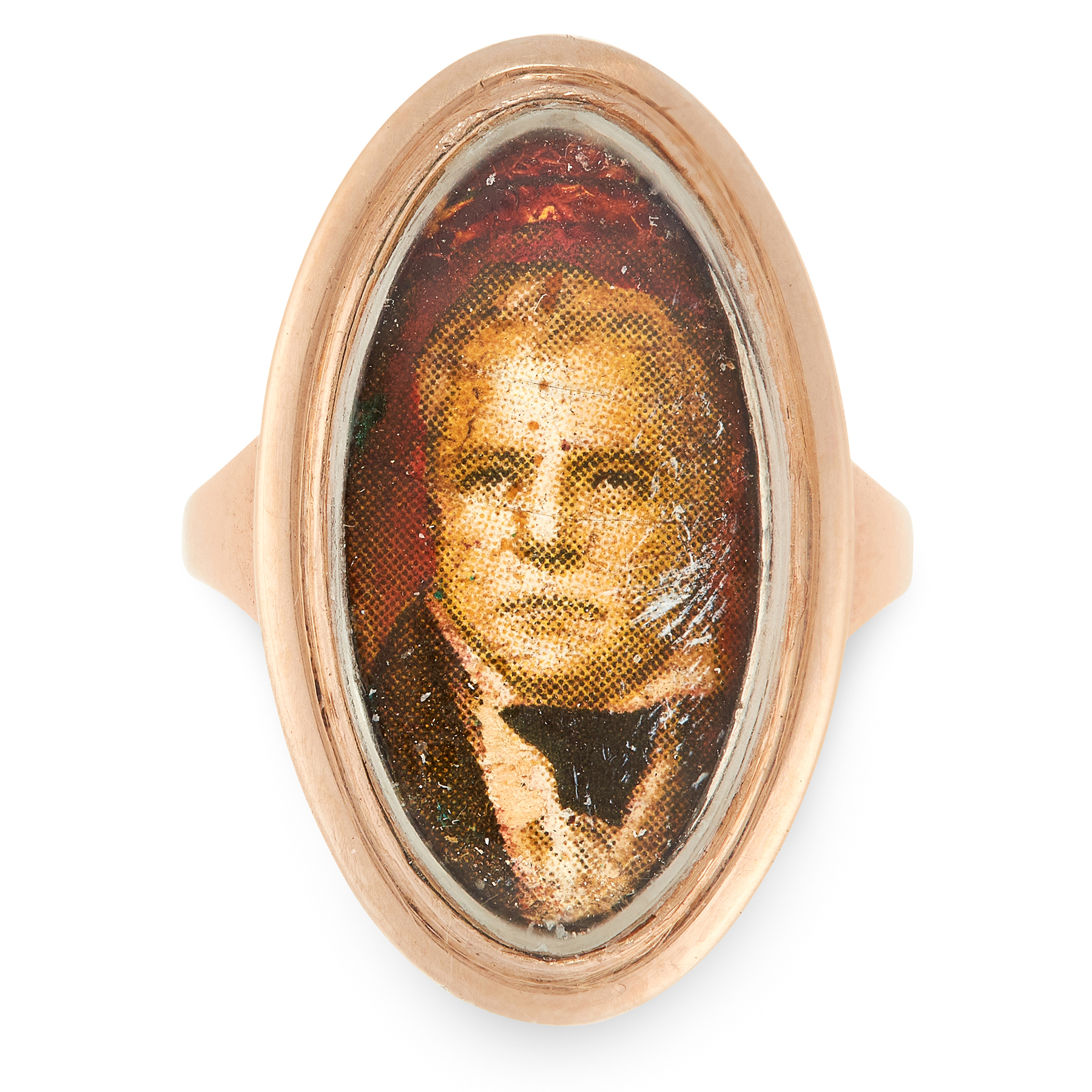 AN ANTIQUE WALTER SCOTT PORTRAIT MINIATURE MOURNING RING in yellow gold, the elongated face is set