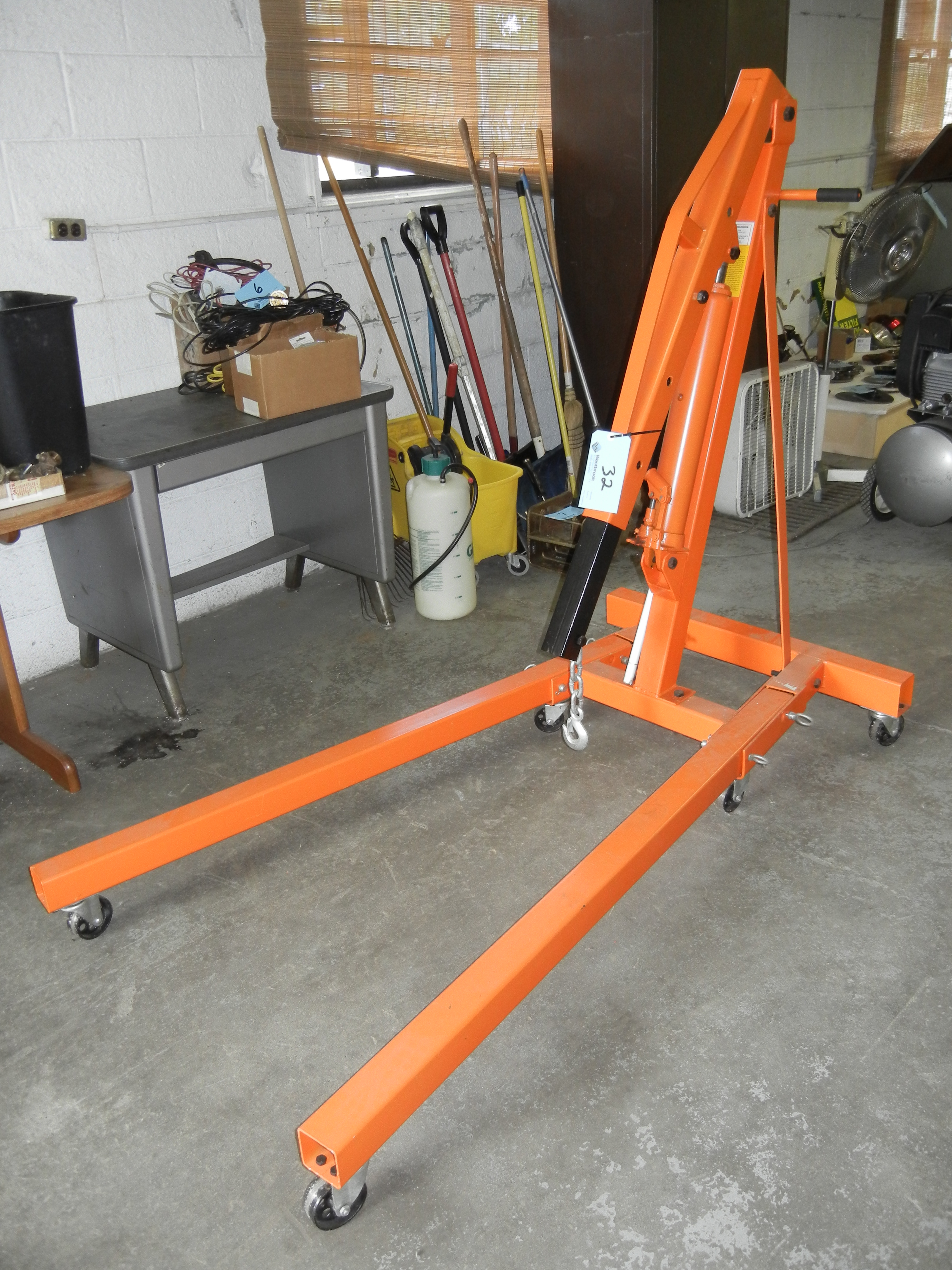 2 ton capacity hydraulic foldable shop crane