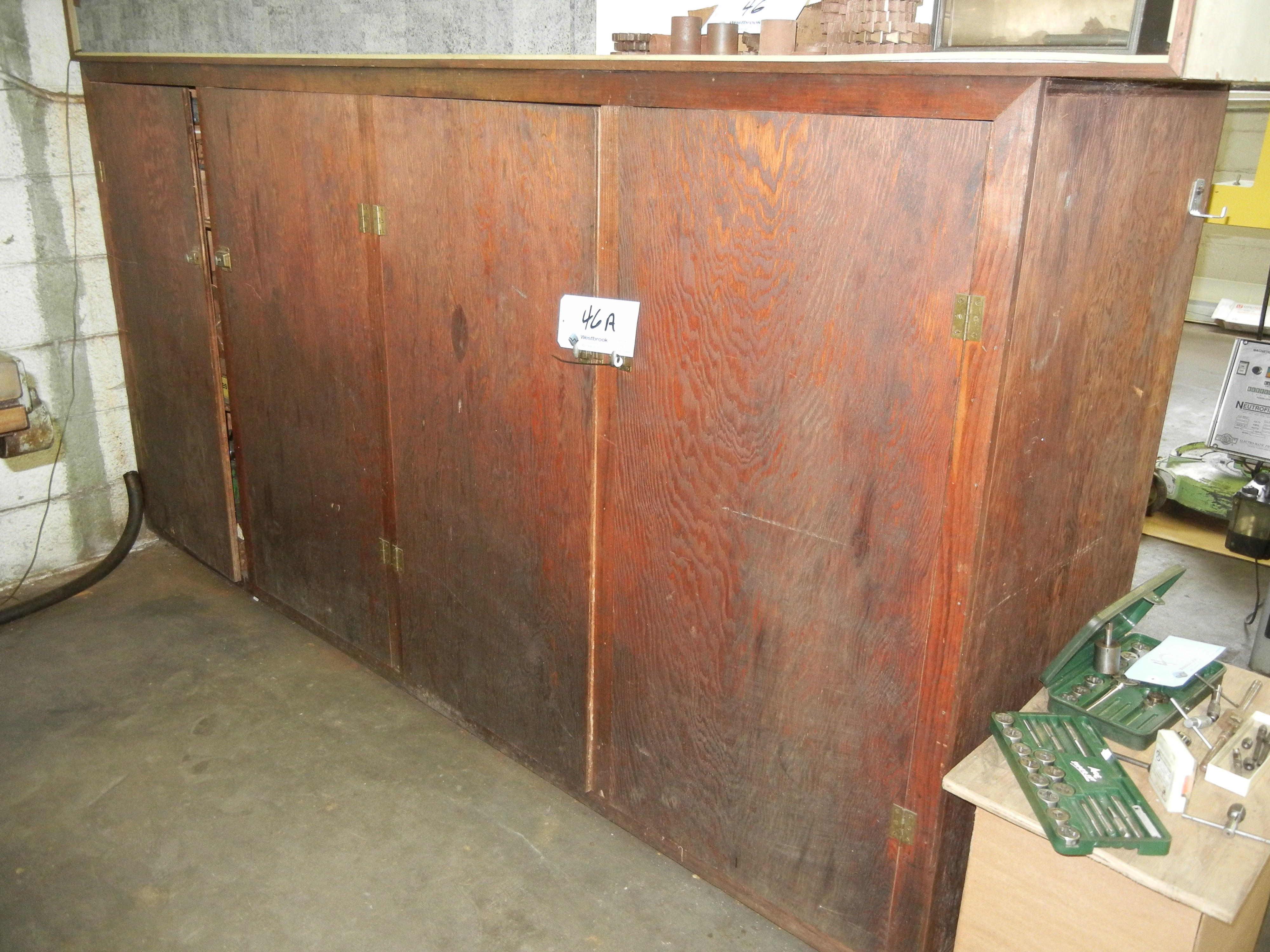 Wood cabinet (no contents)