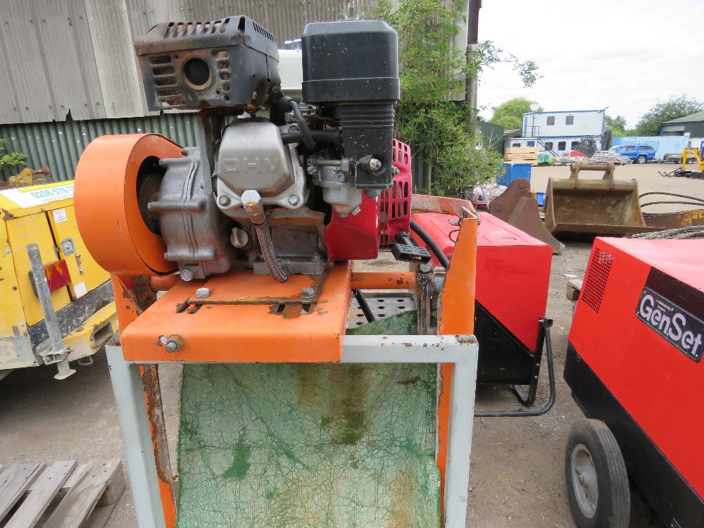 PETROL ENGINED CLIPPER SAWBENCH - Image 2 of 3