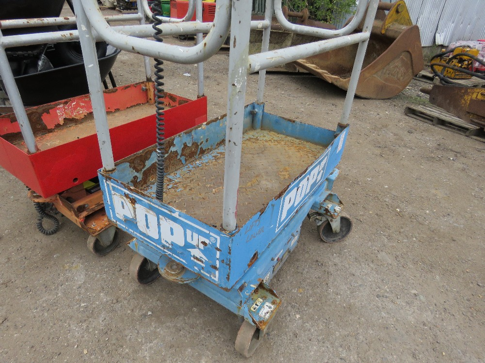 POPUP POWERED SCISSOR LIFT UNIT. WHEN TESTED WAS SEEN TO LIFT AND LOWER, BATTERY LOW - Image 3 of 3