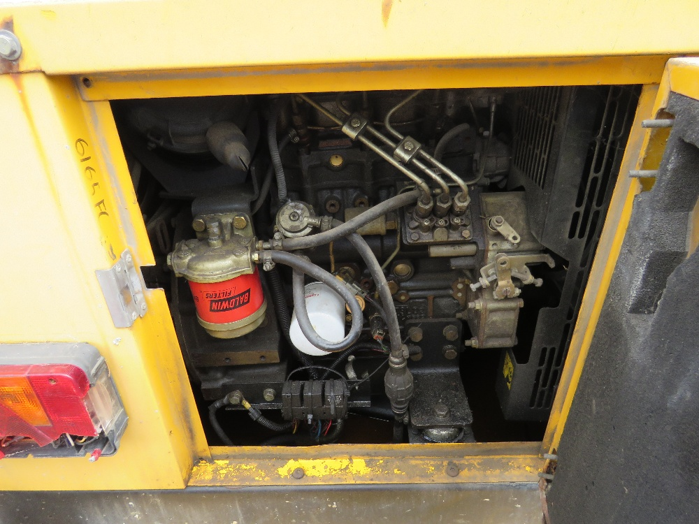 SMC TL90 tower light yr2007 with perkins engine PN: 6165FC when tested was seen run and make - Image 2 of 4
