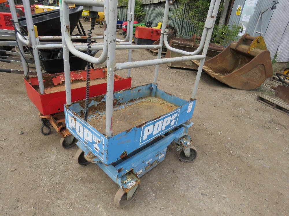 POPUP POWERED SCISSOR LIFT UNIT. WHEN TESTED WAS SEEN TO LIFT AND LOWER, BATTERY LOW - Image 2 of 3