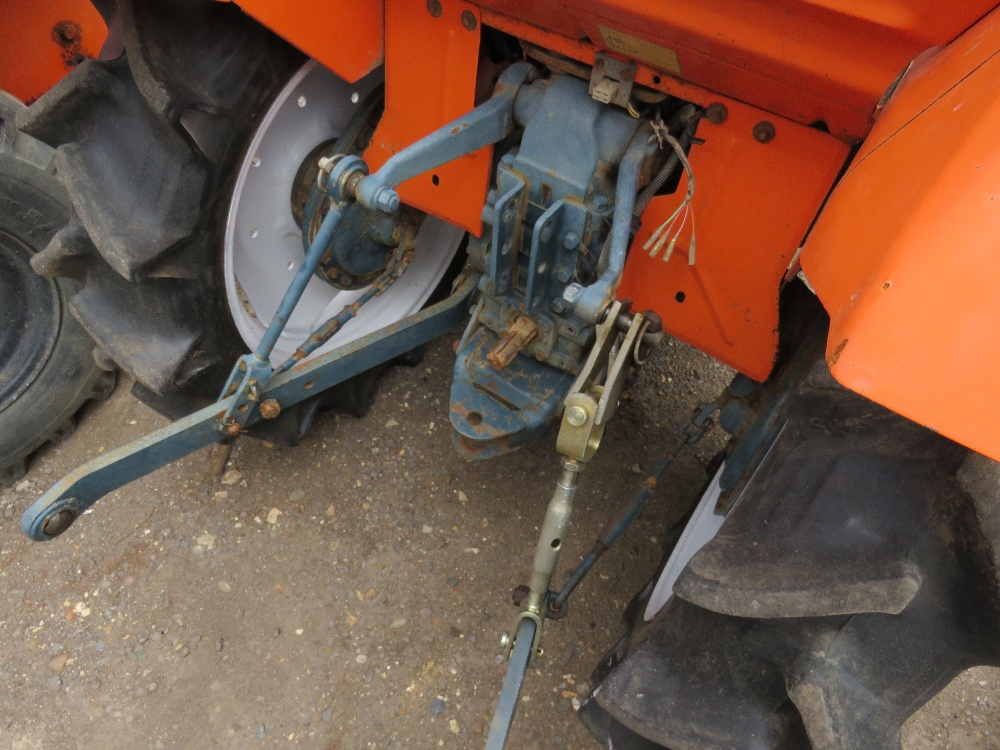 Lot 29 - KUBOTA 18HP 2WD COMPACT TRACTOR C/W REAR LINKAGE. WHEN TESTED WAS SEEN TO DRIVE, STEER AND BRAKE
