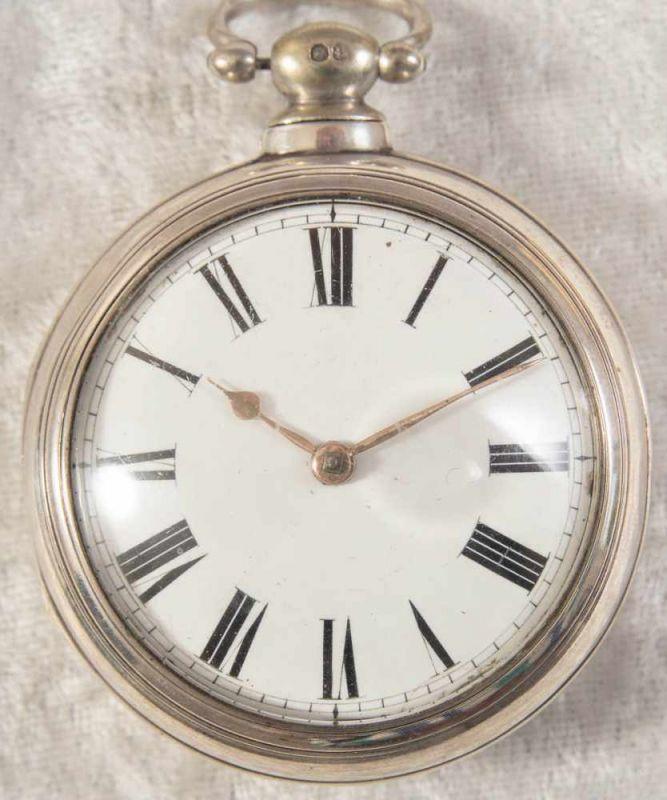 """Spindeltaschenuhr des """"JOHN ROBERTS - LONDON"""" - No. 22251. Gehäuse & Übergehäuse in Silber, weiß"""