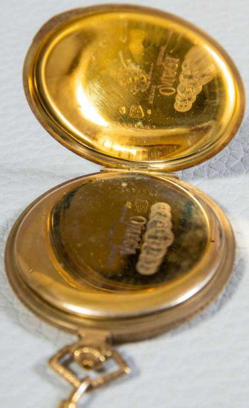OMEGA Sprungdeckeltaschenuhr, 585er/14K Gelbgoldgehäuse & Uhrenkette. Brutto ca. 79 gr. Werk läuft - Image 5 of 9