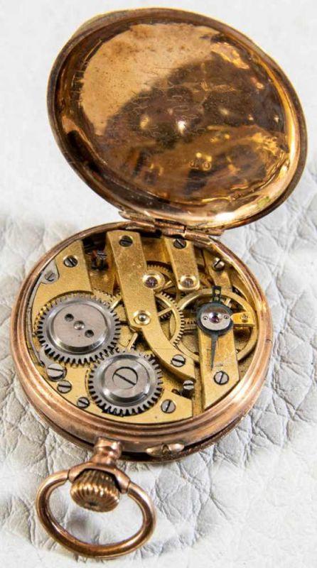 Lot 5848 - Antike Damentaschenuhr um 1890/1900, Gold?. Gehäusedurchmesser ca. 30 mm. Floral verzierter