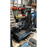 Hunter Auto34 Tire Changer (Year Mfg: 2010) (1 x Your Bid)