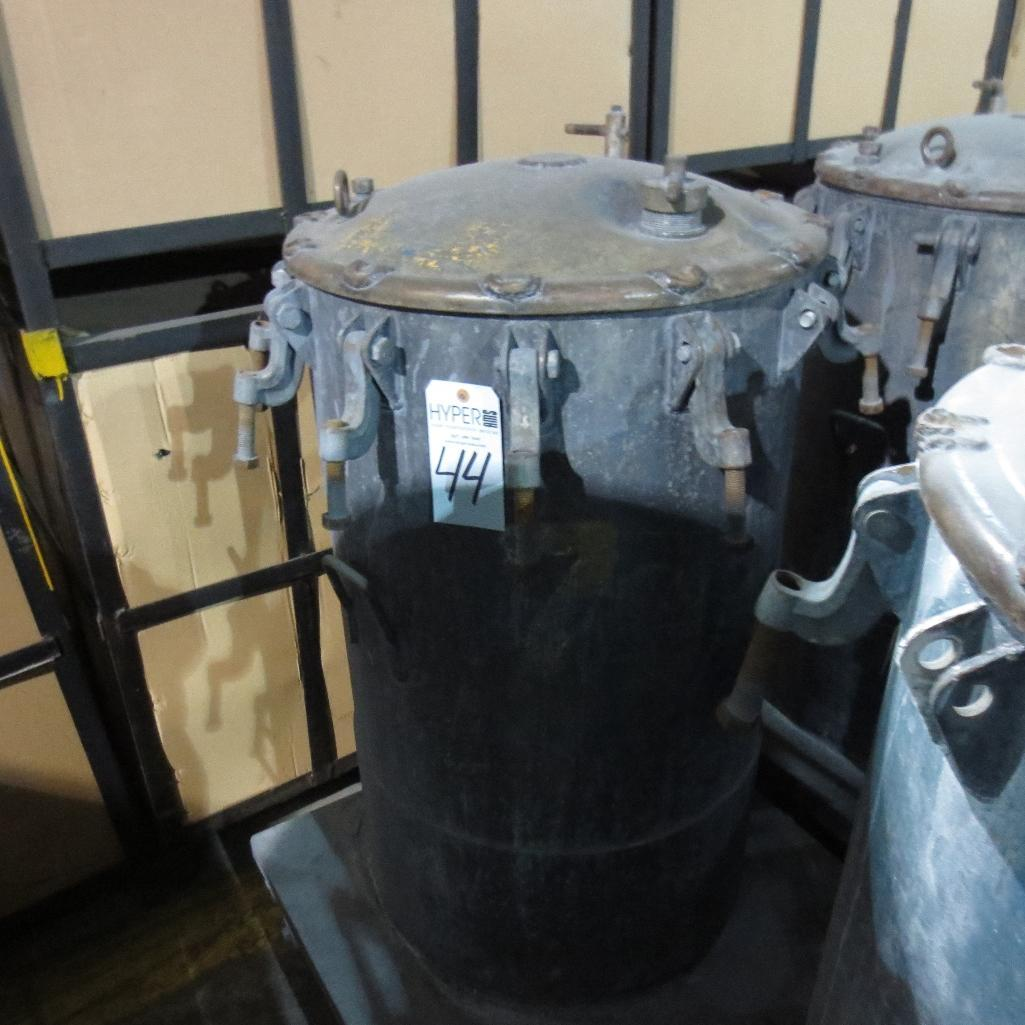 "Lot 44 - (Est) 40"" X 24"" Pressure Pot"