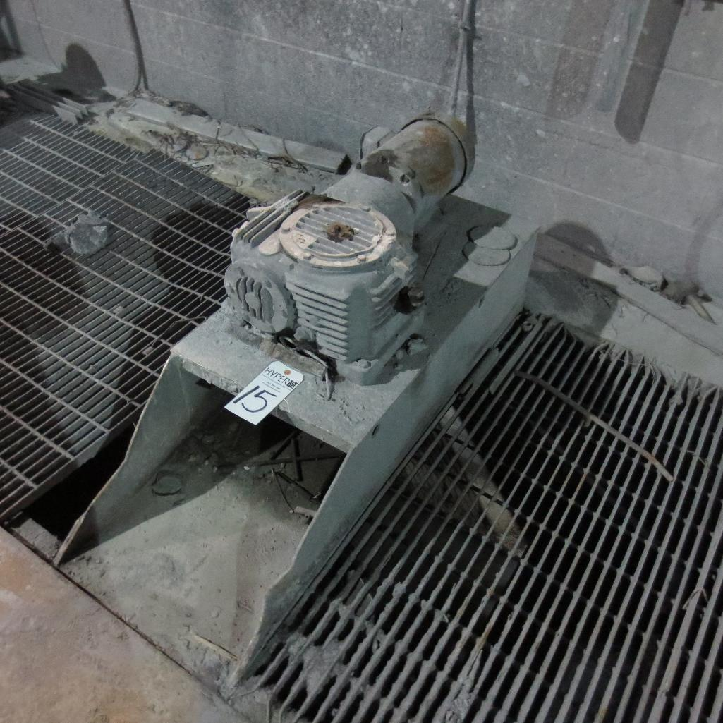 Lot 15 - (2) Top Mounted Agitators ( Must cover pit )