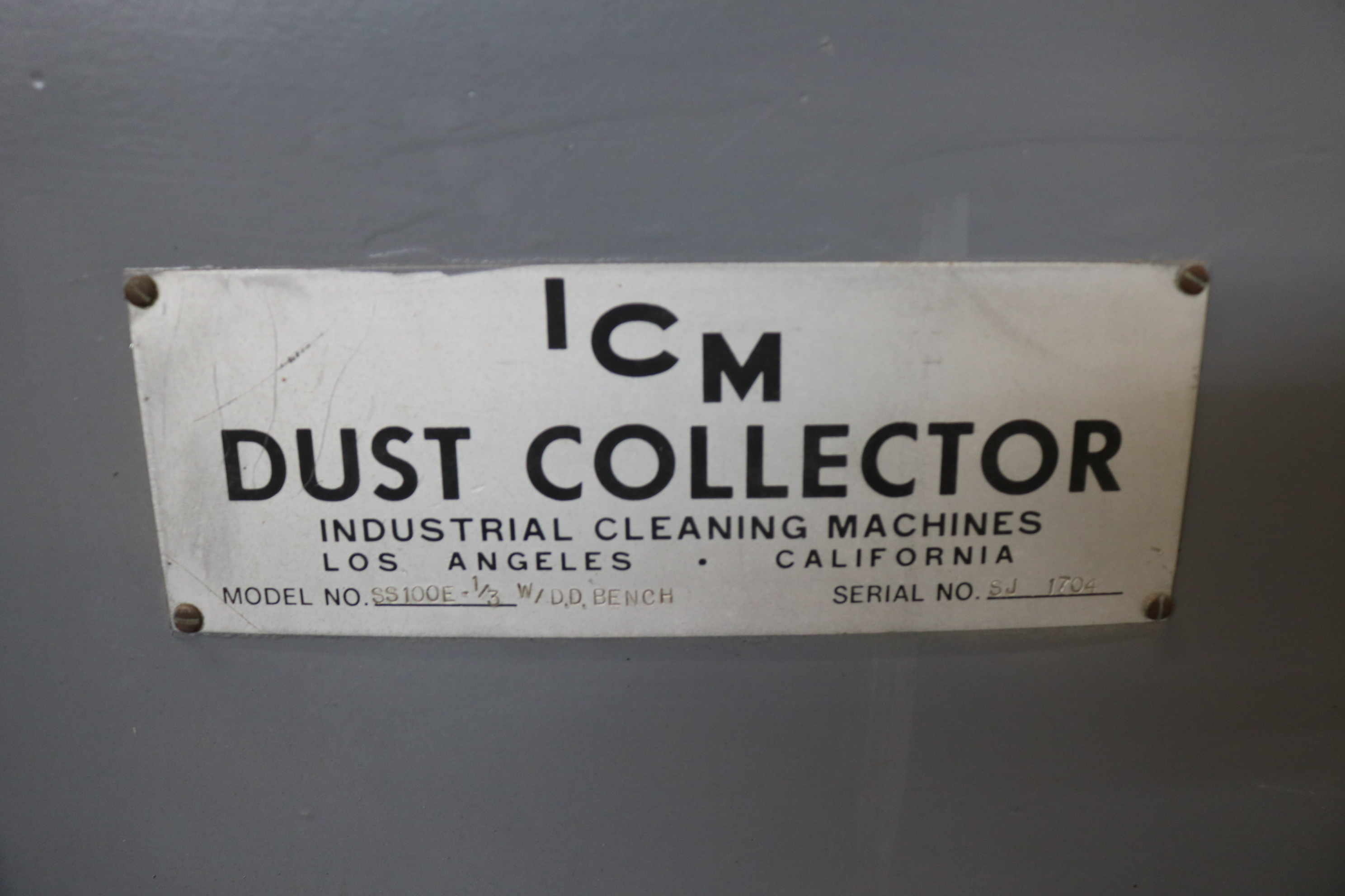 Lot 16A - ICM DUST DEBURRING BENCH, MODEL S5100E