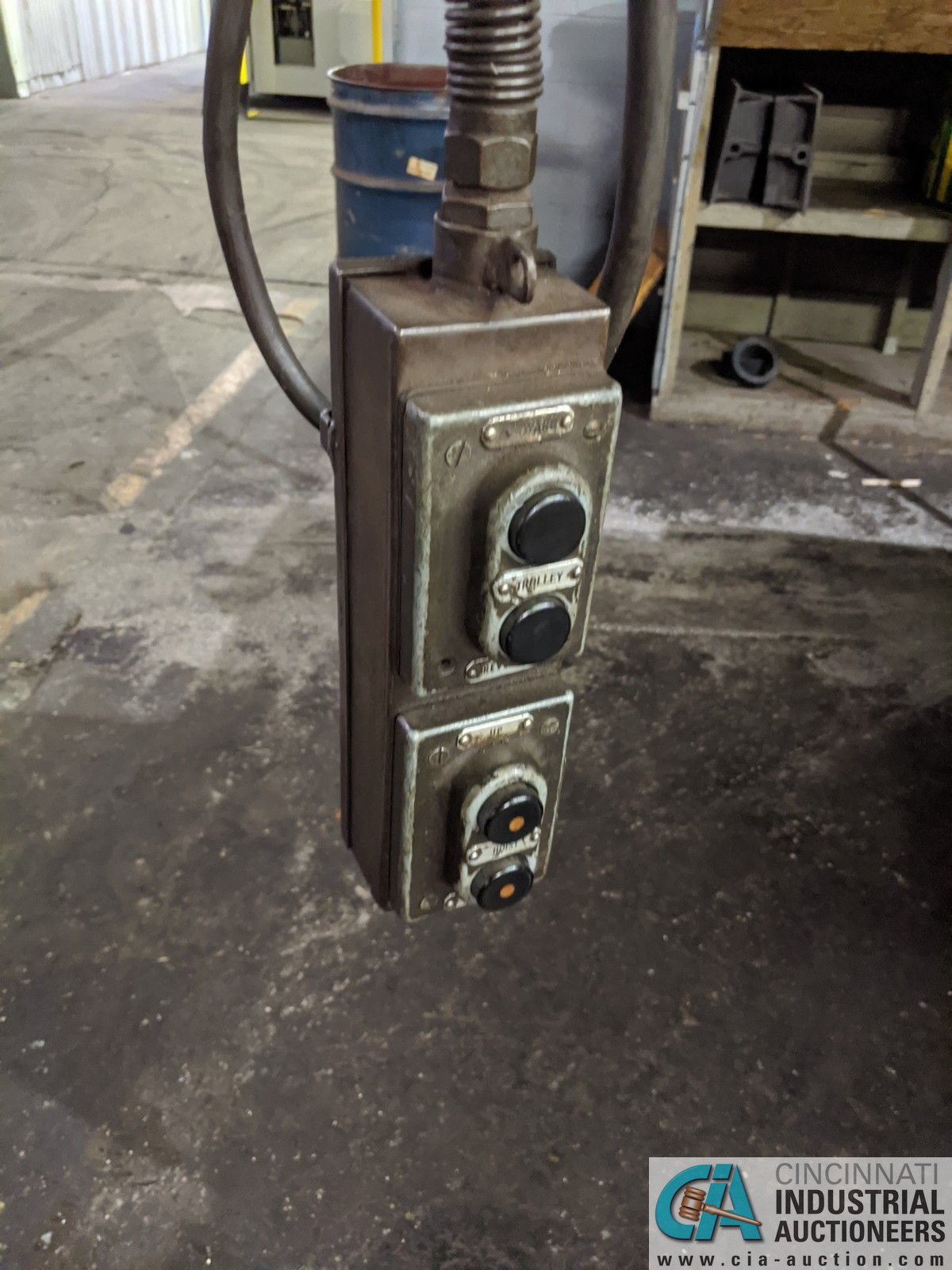 2 TON LOAD LIFTER ELECTRIC CABLE HOIST, NO I-BEAM - Image 2 of 2